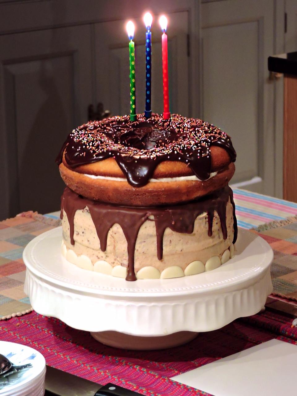 Terrific 11 Giant Humorous Birthday Cakes Photo Giant Birthday Cake Personalised Birthday Cards Veneteletsinfo