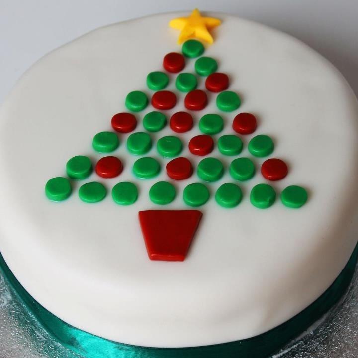 Easy Christmas Cake Decorating Ideas.7 Basic Holiday Cakes Photo Simple Christmas Cake Four