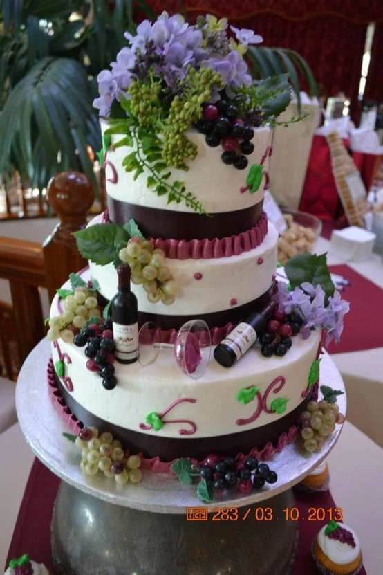 vineyard themed wedding cakes 7 for winery theme wedding cakes photo vineyard themed 21598