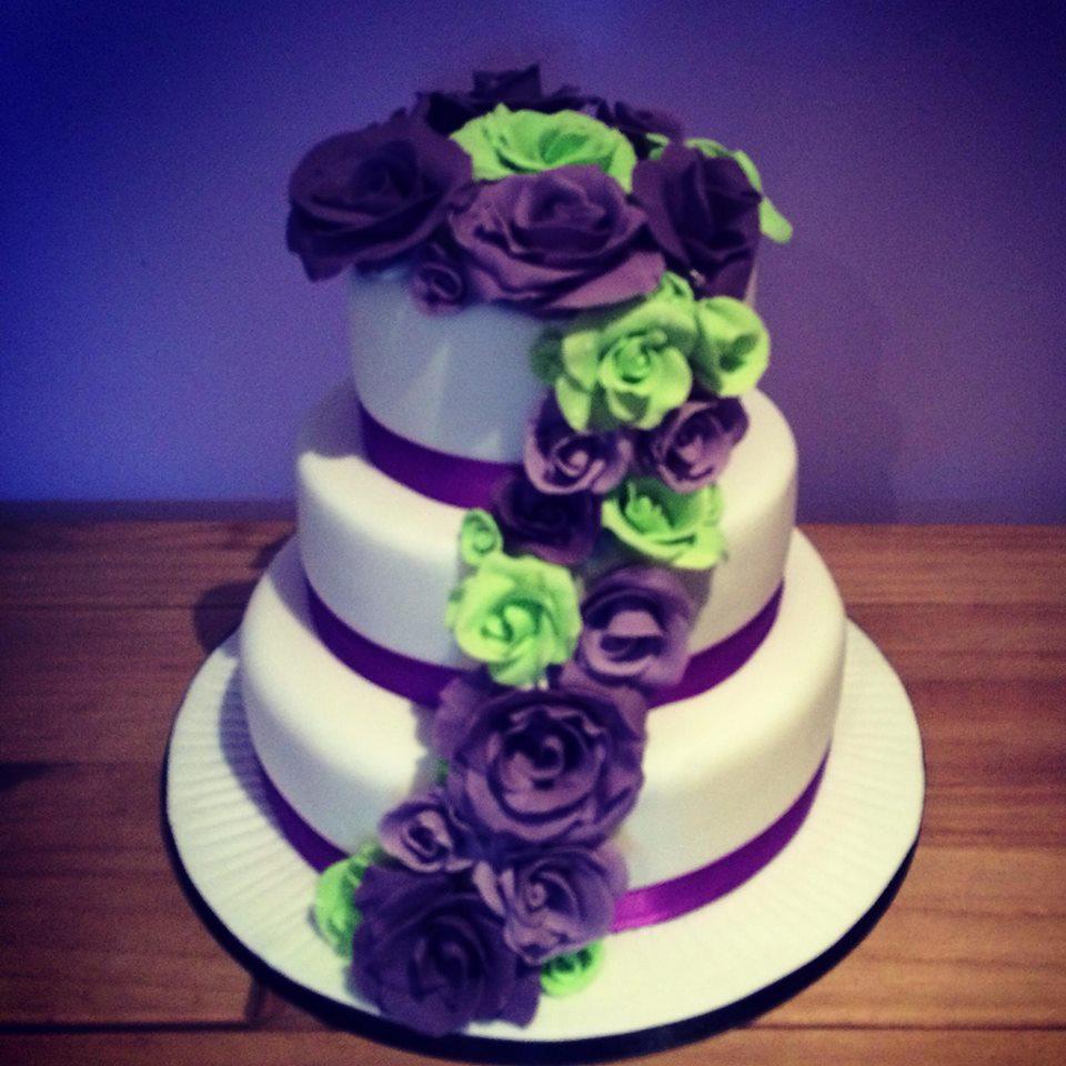 Purple And Green Wedding.Purple Green Wedding Cake