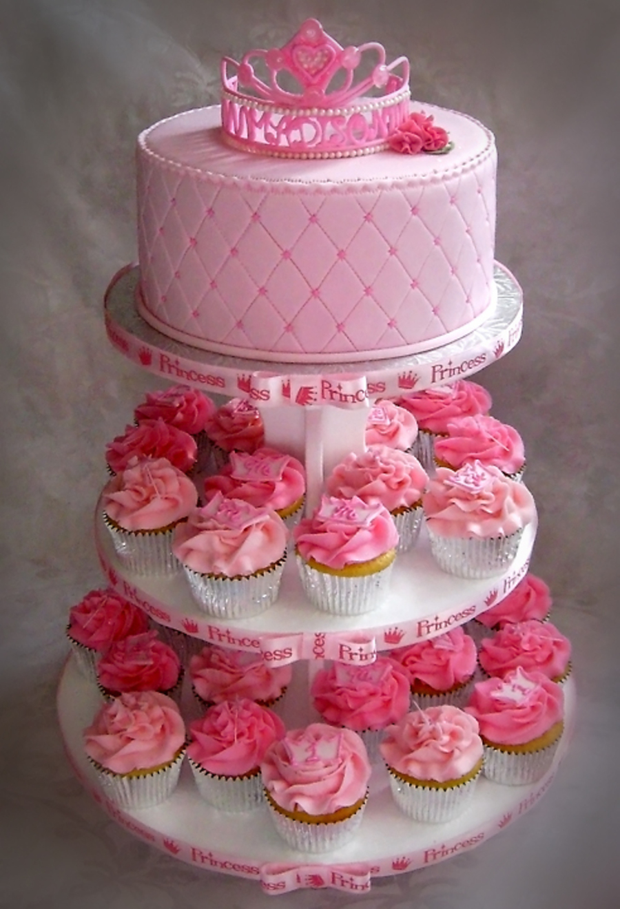 Cool 8 First Birthday Princess Cupcakes Photo Princess First Birthday Funny Birthday Cards Online Alyptdamsfinfo