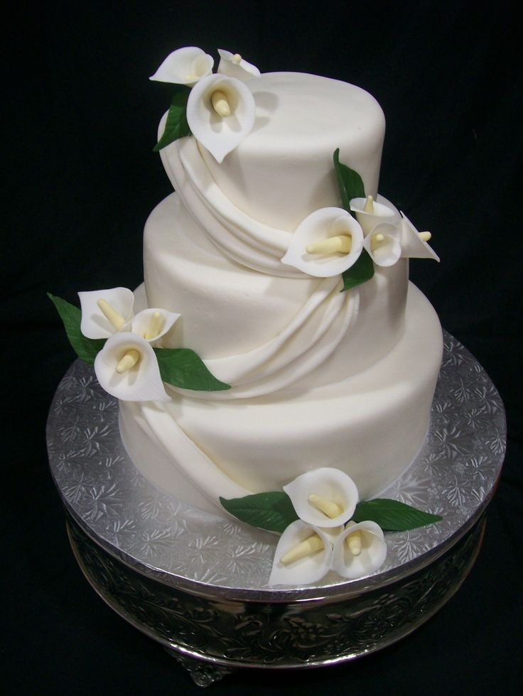 12 Liries Cakes With Flowers Photo Wedding Cake With Calla