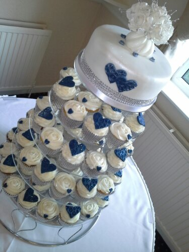navy blue wedding cake with cupcakes 11 navy blue bridal shower cupcakes photo navy blue 17781