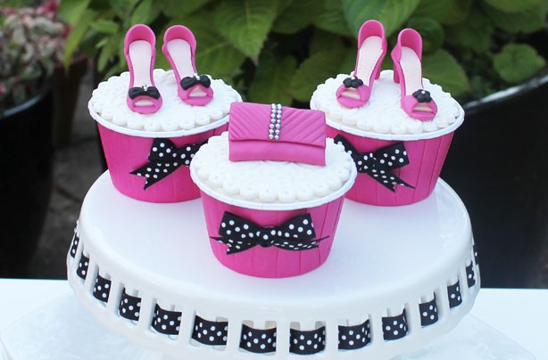 9 Purse Cupcakes With Decorations Photo Purse Birthday Cake Design