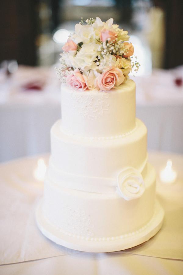 12 Plain Wedding Cakes With Flowers Photo - Wedding Cake with White ...