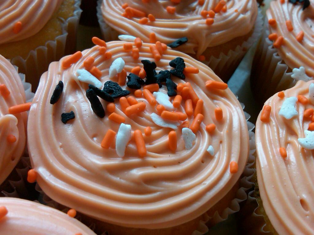 sprinkles halloween cupcakes