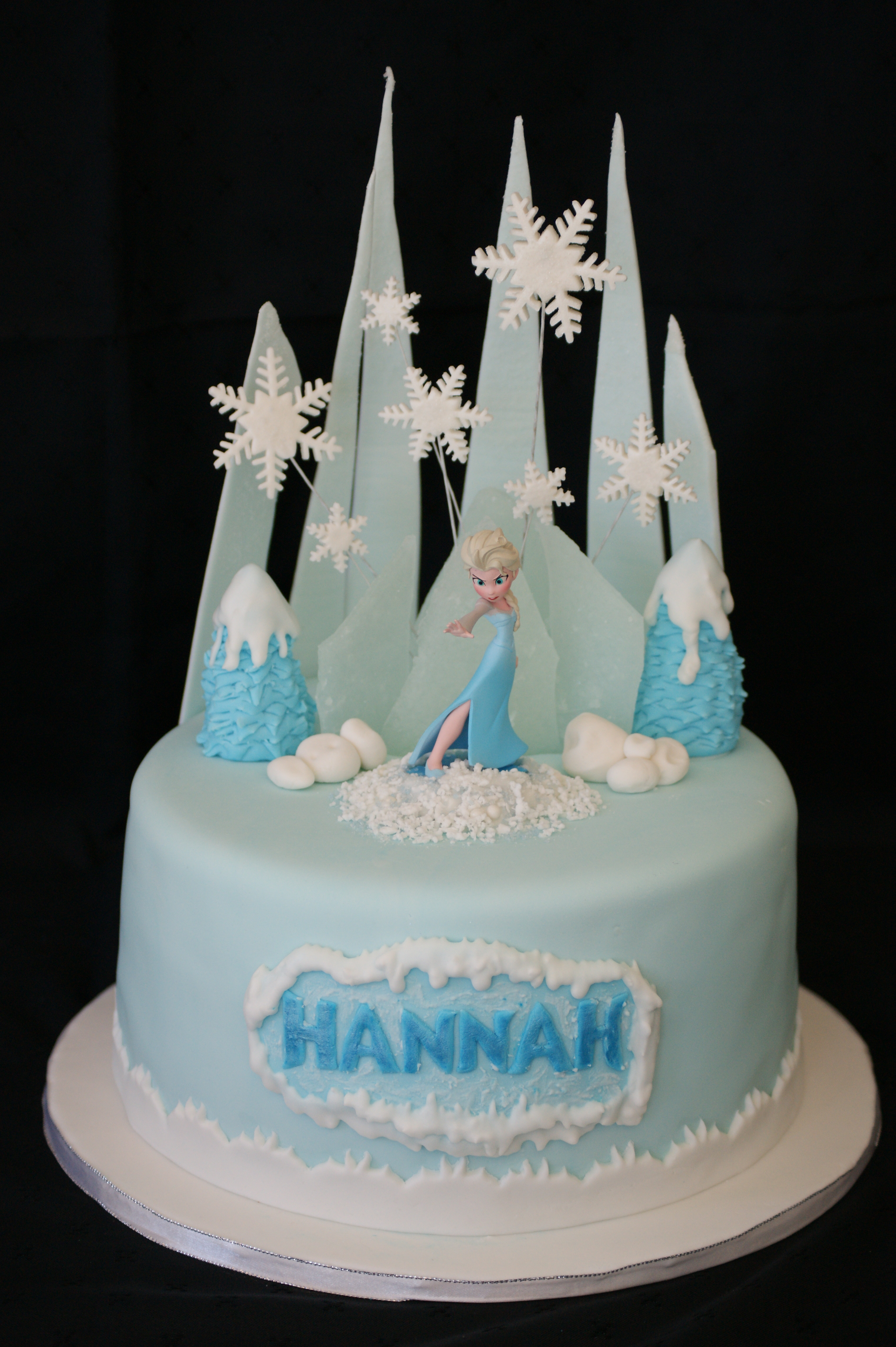 Pleasing 10 Frozen Birthday Cakes Pinterest Photo Elsa Frozen Cake Funny Birthday Cards Online Fluifree Goldxyz