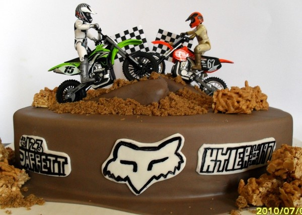 Incredible 11 Motocross Racing Birthday Cakes Photo Motocross Dirt Bike Funny Birthday Cards Online Inifofree Goldxyz