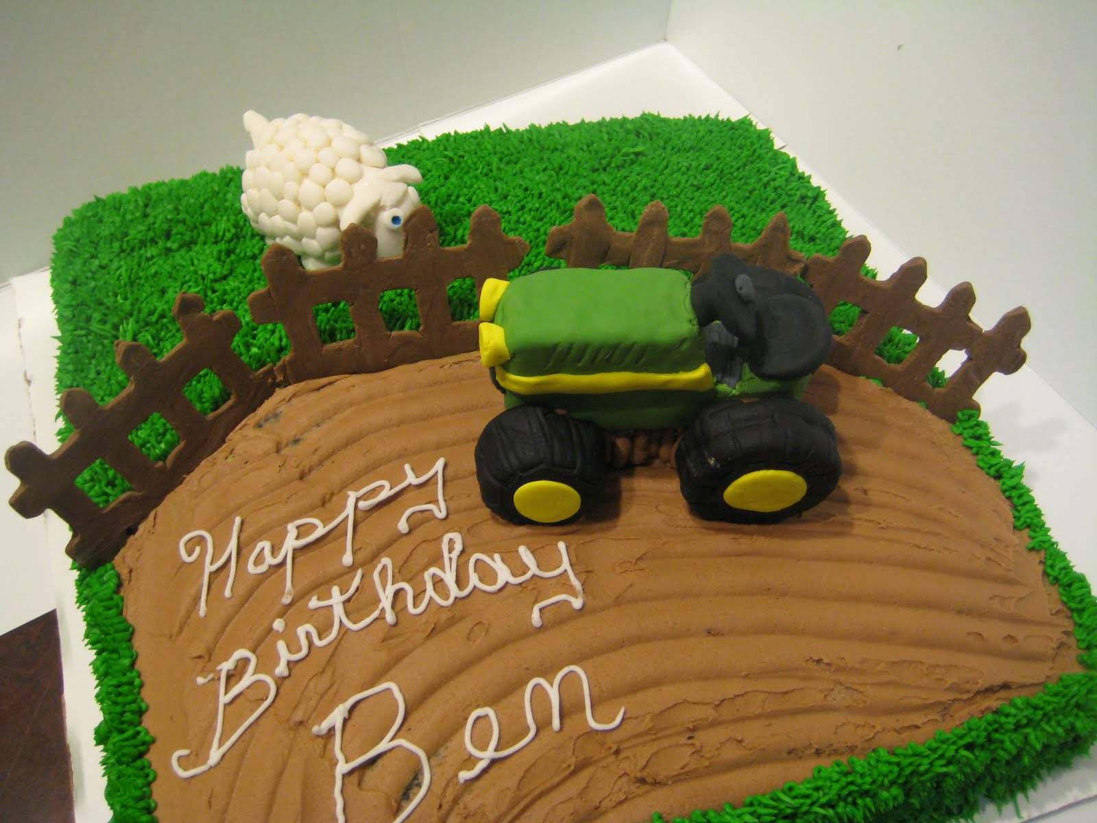 11 Tractor Cakes For Boys Ideas Photo John Deere Tractor Birthday