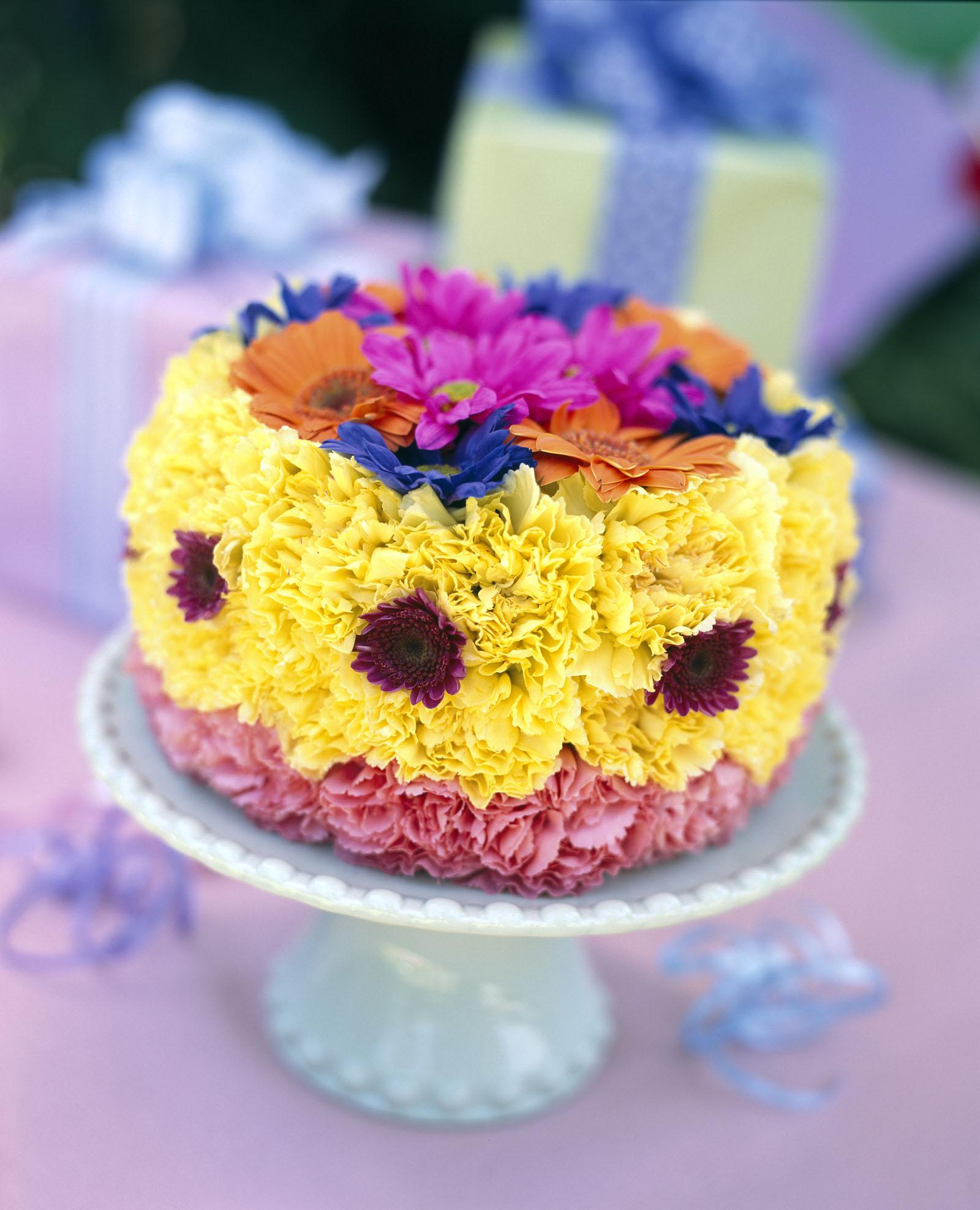 Remarkable 11 Creative Flower Cakes Photo Flower Cake Tutorial Unique Funny Birthday Cards Online Hetedamsfinfo