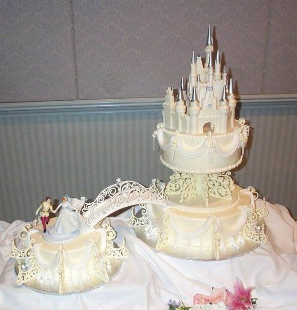 12 Disney Wedding Cakes With Fountains Photo - Cinderella Castle ...