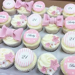7 Cake Designs Using Cupcakes Photo Cool Cupcake Designs Cupcake