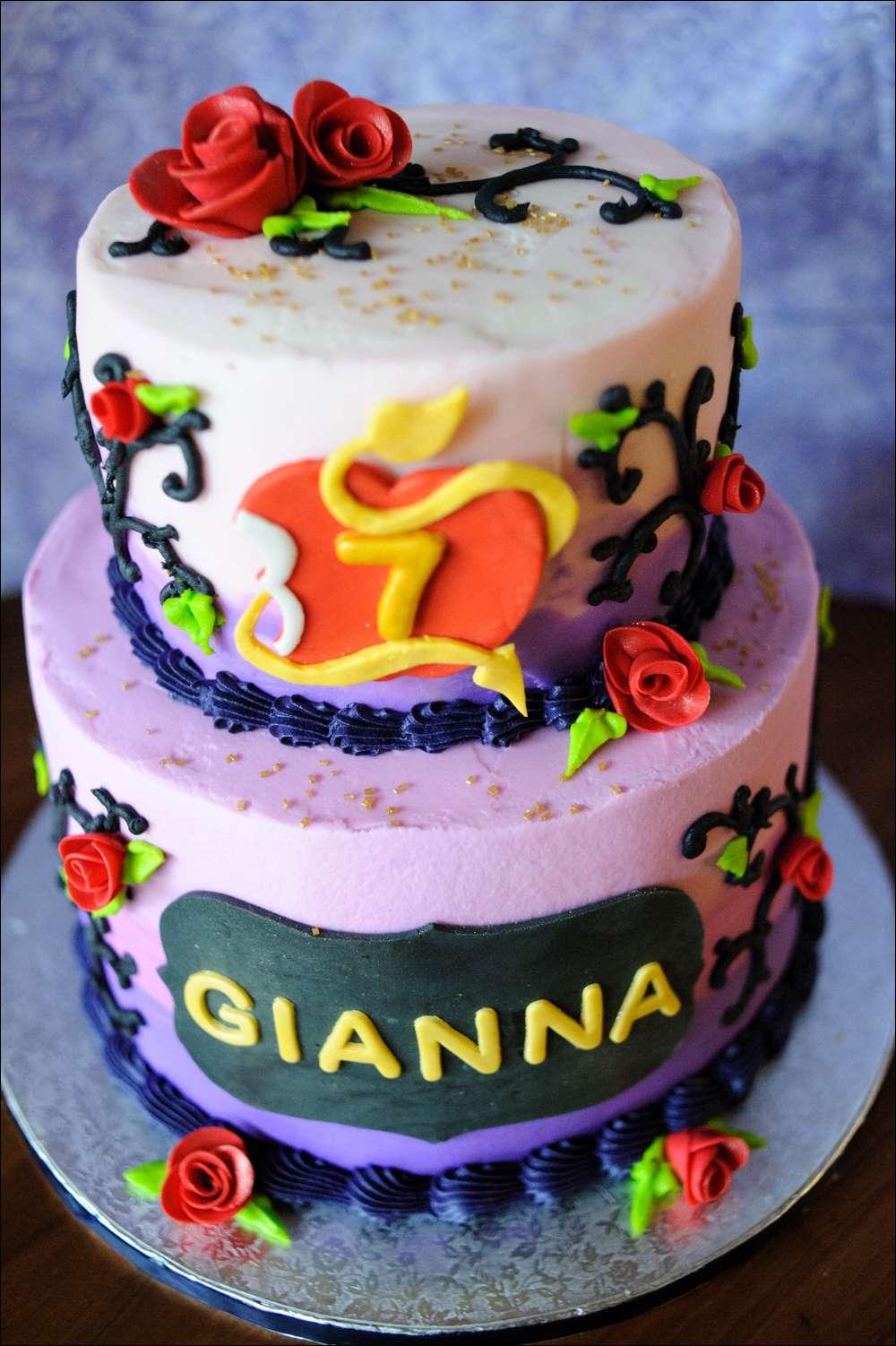 Disney Birthday Cake Party Descendants
