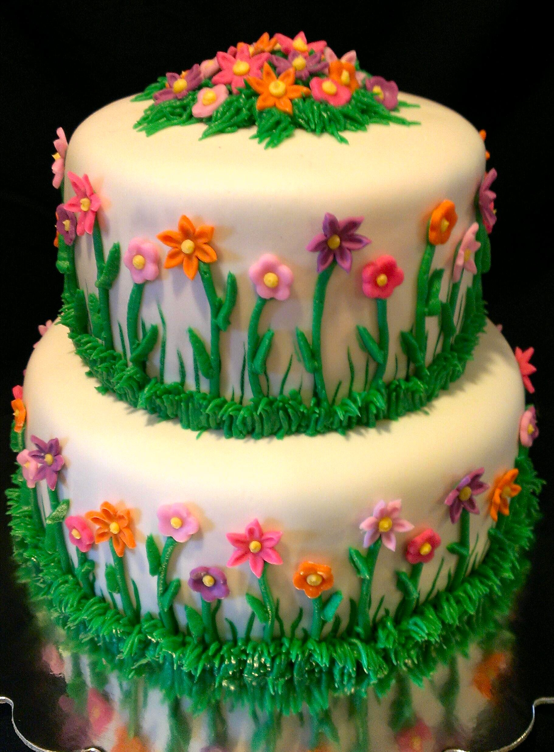 13 flower garden shaped birthday cakes photo flower garden flower garden cake izmirmasajfo