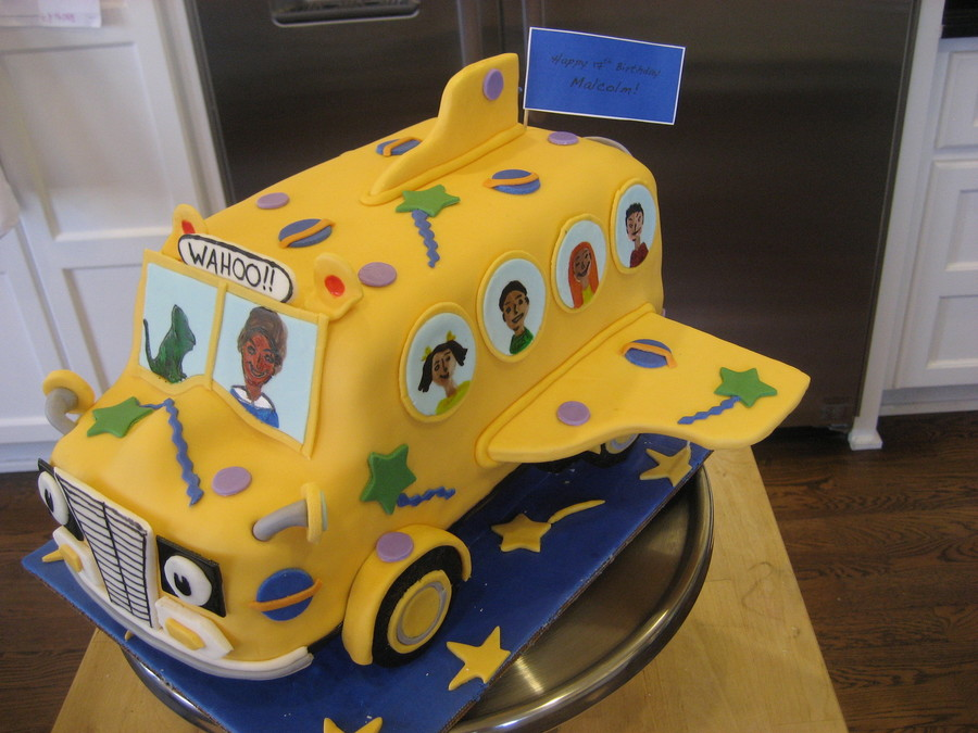 Phenomenal 11 The Magic School Bus Cupcakes Photo Magic School Bus Cake Personalised Birthday Cards Cominlily Jamesorg