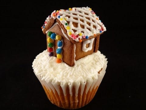 7 Mini Gingerbread House Cupcakes Photo Gingerbread House Cupcakes