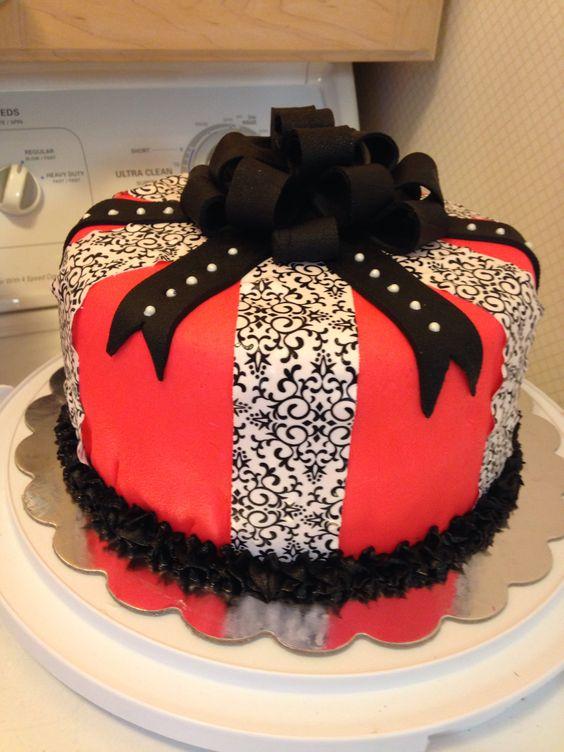 6 Fun Birthday Cakes For Moms Photo Mom Birthday Cake Ideas Moms