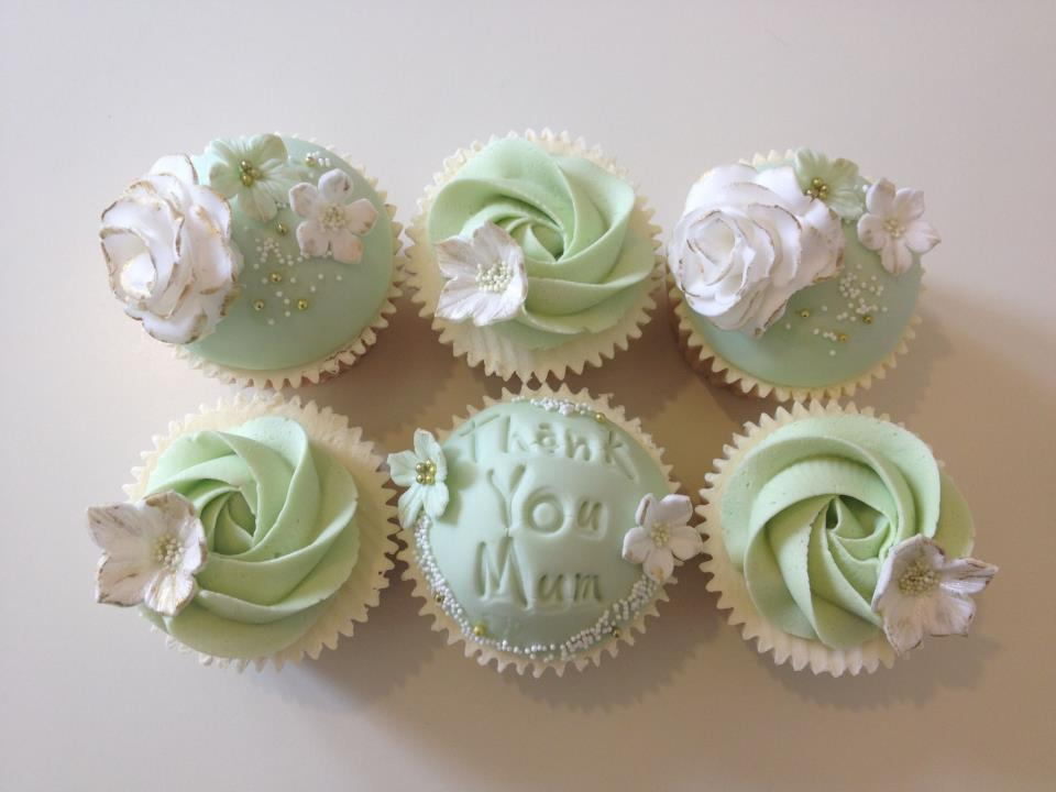 10 Photos of Beautiful Mother's Day Cup Cakes