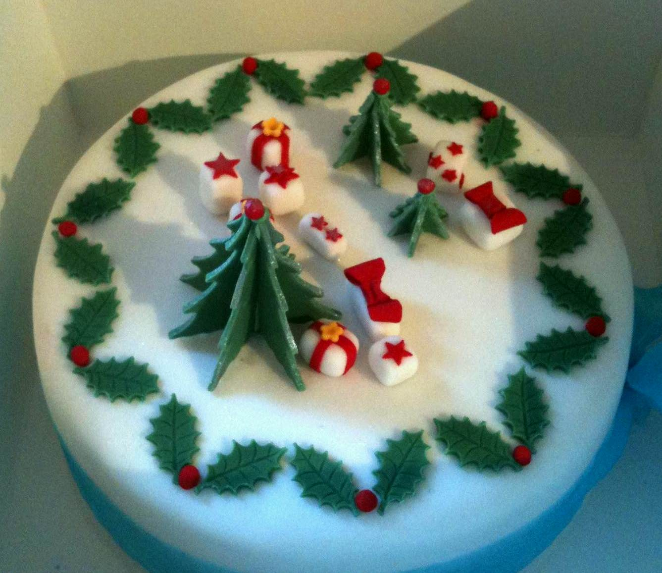Beau Christmas Cake Decorating Ideas