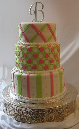 9 Really Cool Fondant Cakes Photo Fondant Wedding Cake Ideas