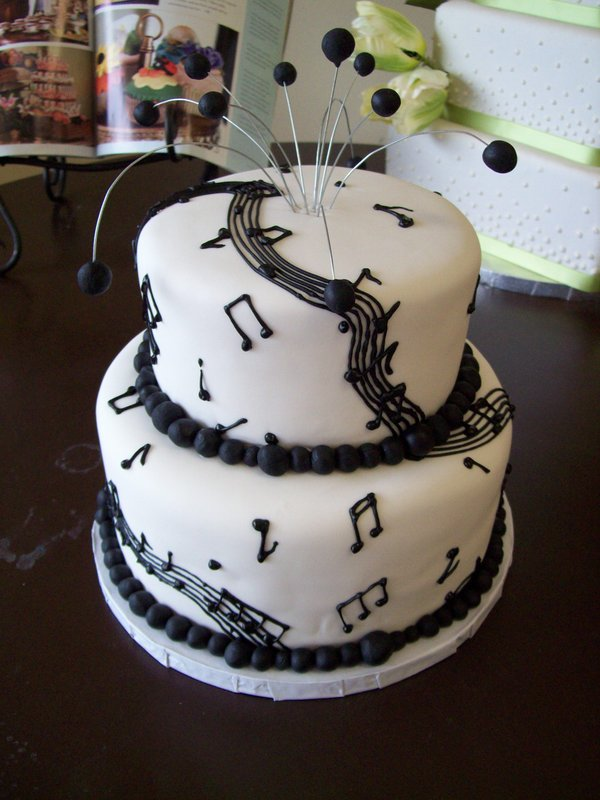 Brilliant 8 Musical Cakes 55 Photo Musical Birthday Cake Ideas Music Funny Birthday Cards Online Aeocydamsfinfo