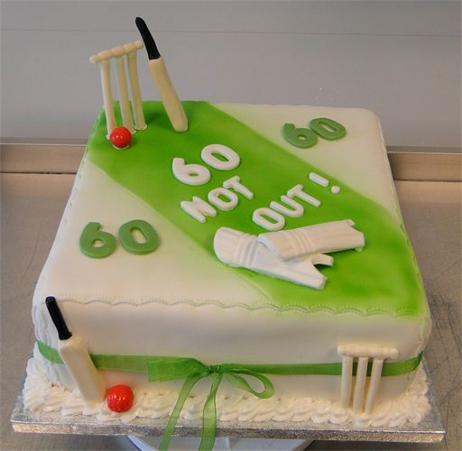 9 Belated Cricket Themed Cakes Photo