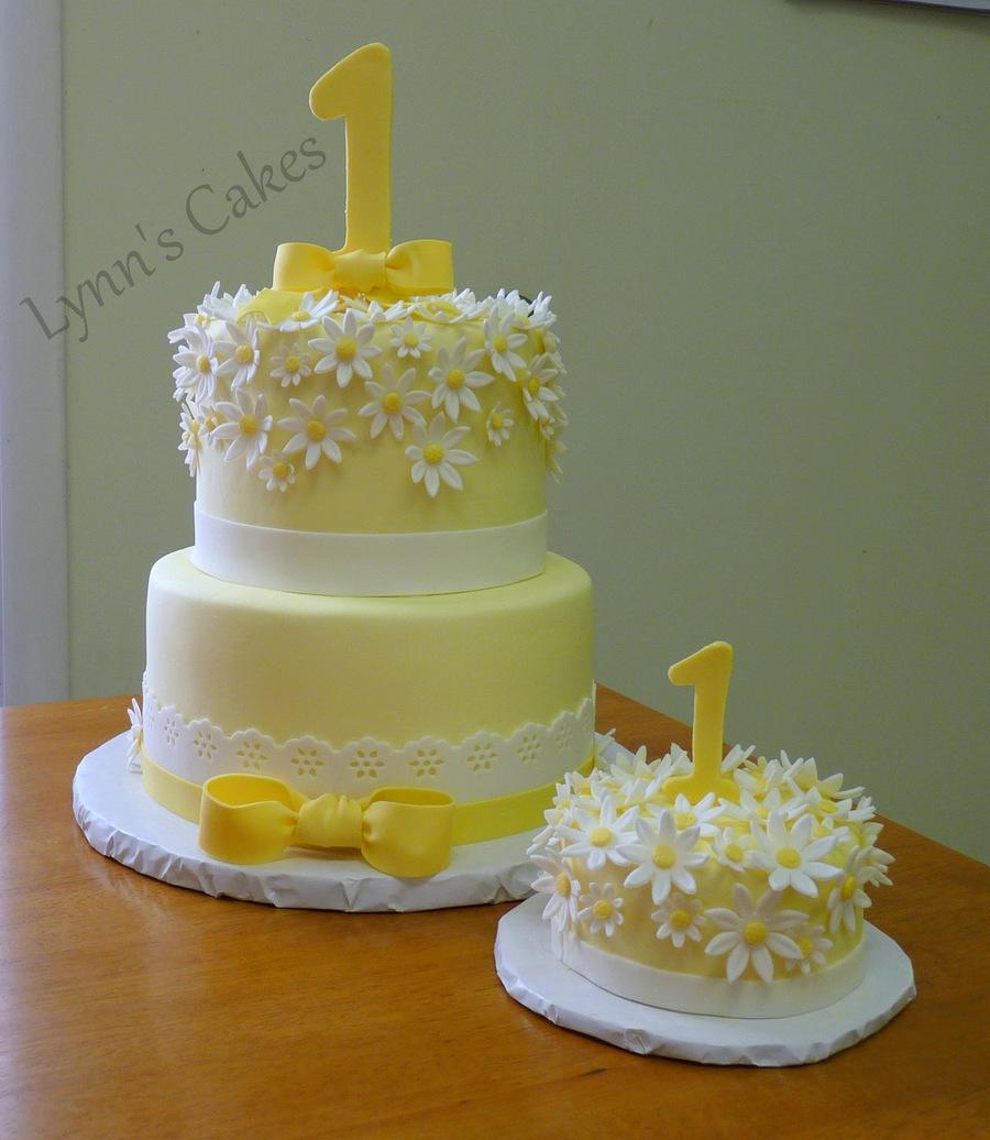 Awe Inspiring 9 Daisy Baby Birthday Cakes Photo Daisy Duck Birthday Cake Funny Birthday Cards Online Alyptdamsfinfo