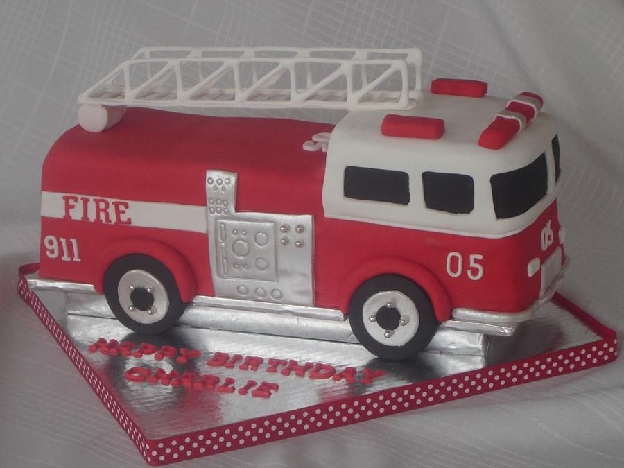 Strange 11 Truck Cakes Fire Truck Photo Fire Truck Birthday Cake Ideas Personalised Birthday Cards Beptaeletsinfo
