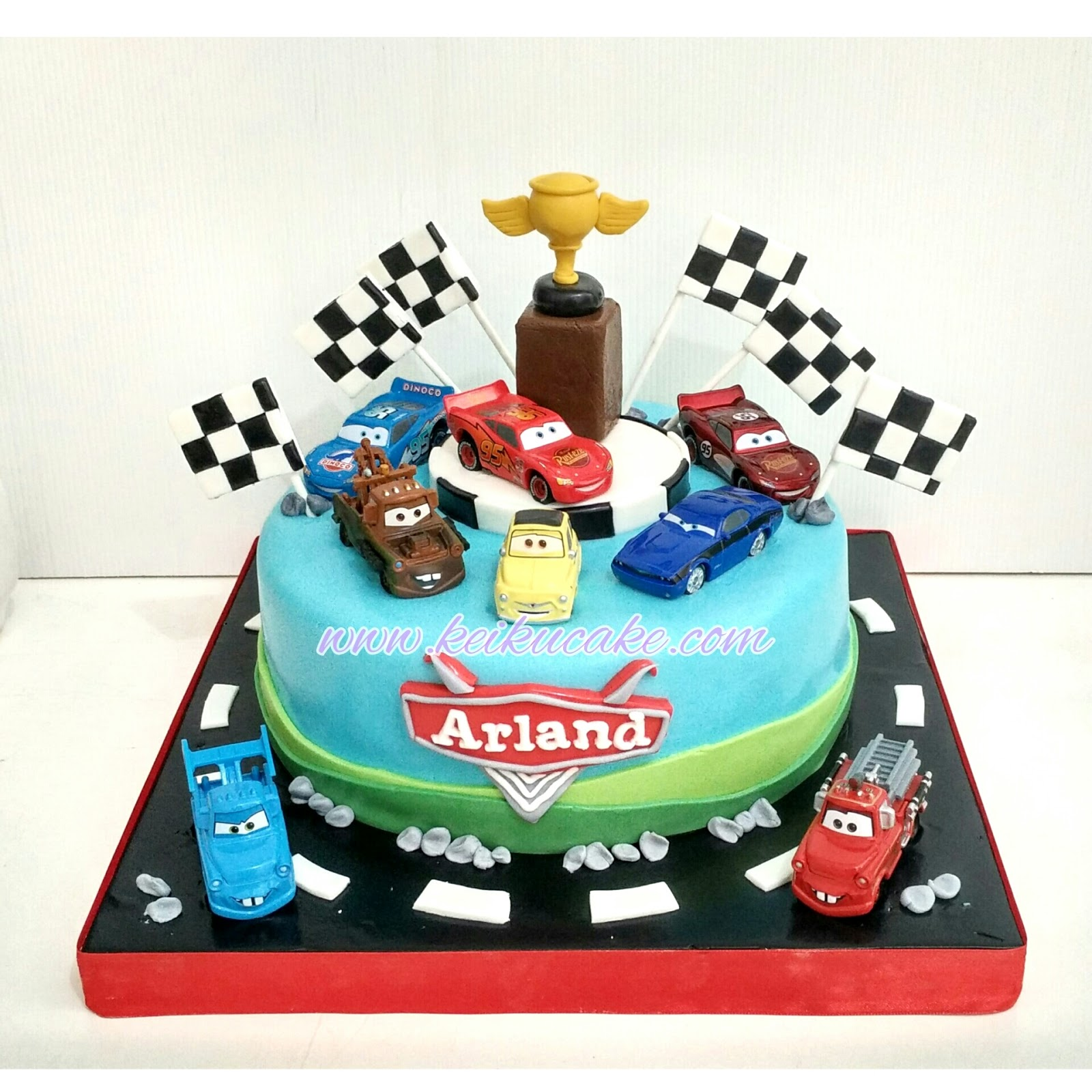 car themed cake 9 car themed birthday cupcakes photo race car themed 2446