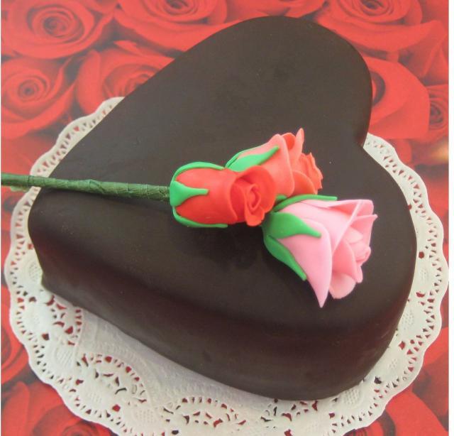 7 Easy Heart Shaped Valentine Cakes Photo Heart Shaped Cupcake