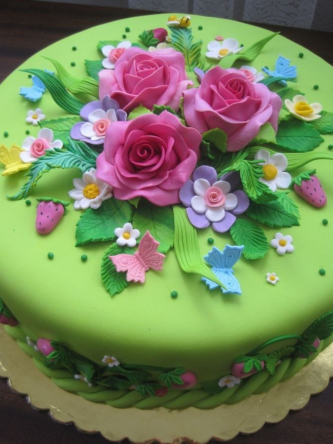 12 Charming Floral Birthday Cakes Photo Birthday Cake with