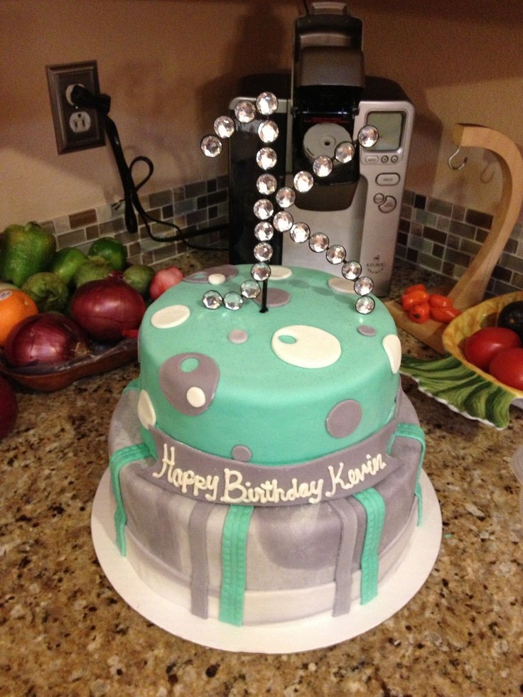 7 Moving Birthday Cakes For Teens Photo