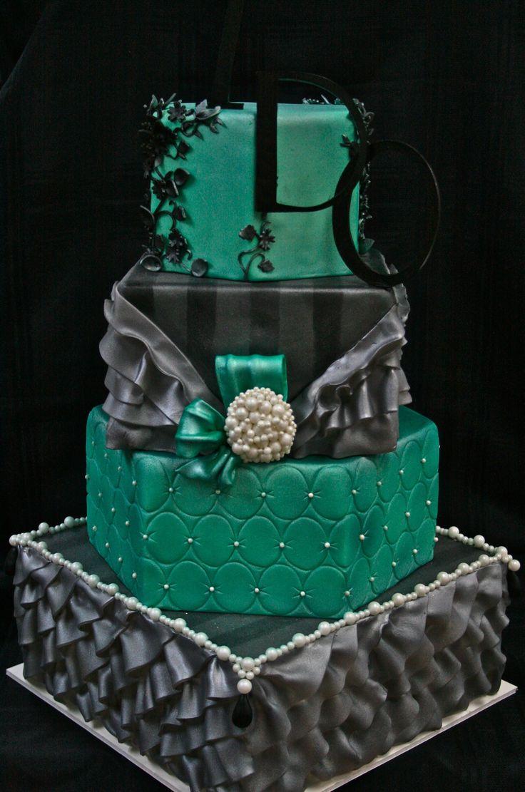 11 Dark Green Mini Wedding Cupcakes Photo Green And White Wedding