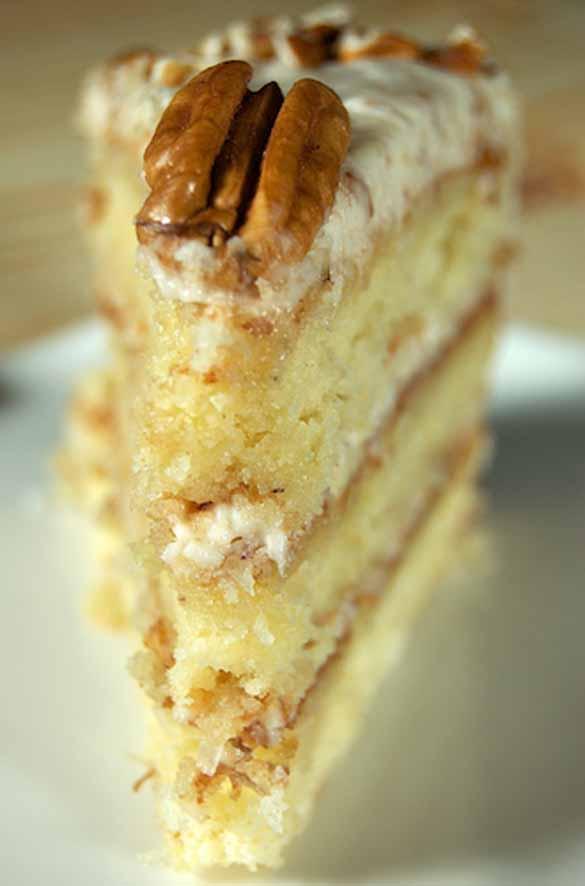 8 Beautiful Decorated Italian Cream Cakes Photo Italian Cream Cake