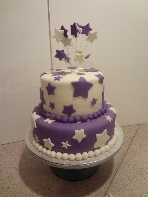 Groovy 11 Stars Happy Birthday Cupcakes Photo Happy Birthday Cake Star Personalised Birthday Cards Veneteletsinfo