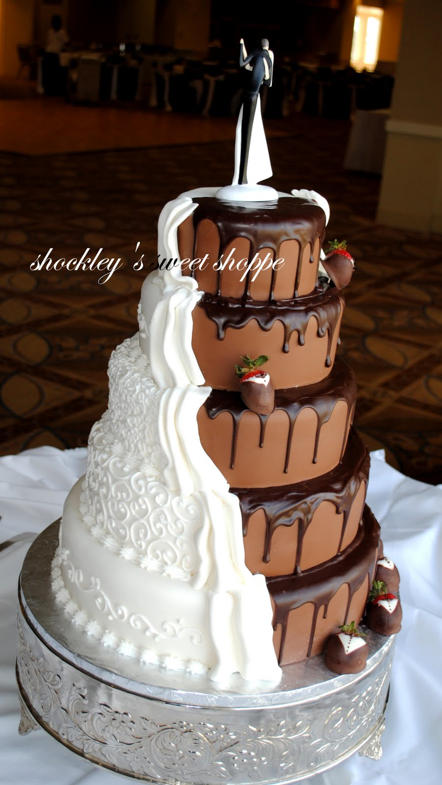 Half Chocolate Wedding Cake Www Topsimages Com