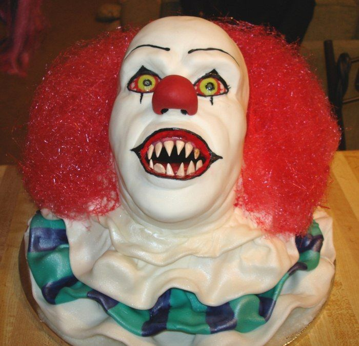 Sensational 11 Killer Clown Birthday Cakes Photo Scary Clown Cake Clown Funny Birthday Cards Online Inifodamsfinfo