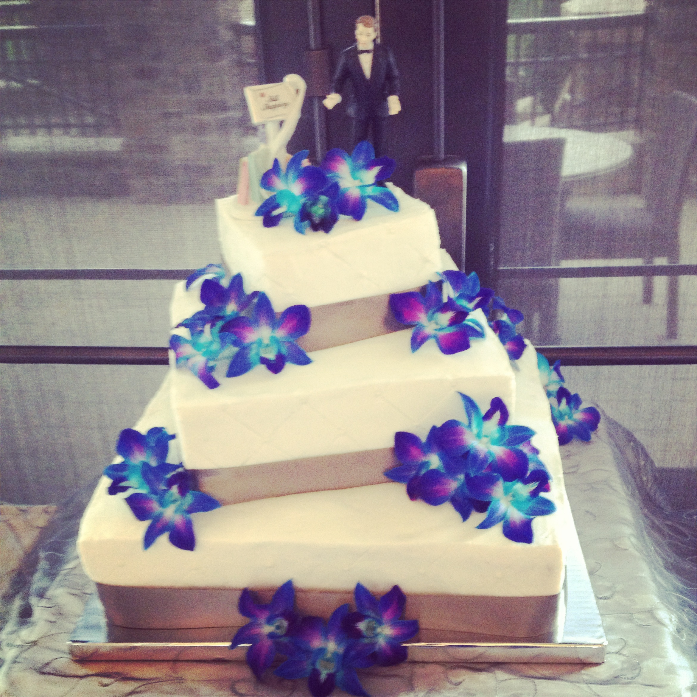 10 Tropical Wedding Cakes Purple And Blue Orchid Photo - Blue and ...