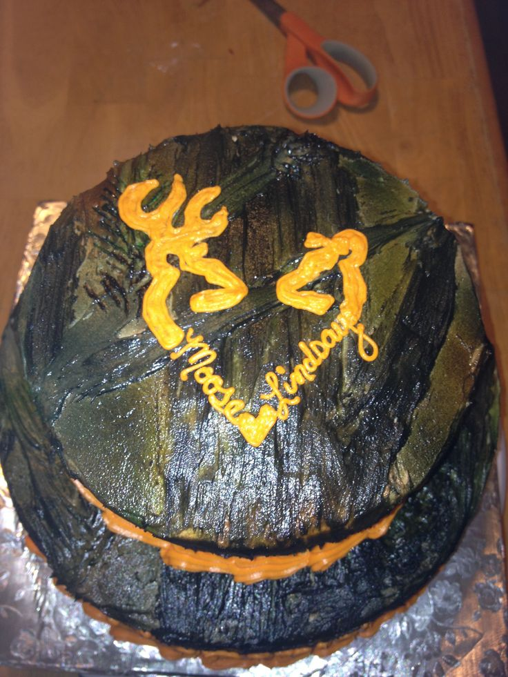 camo browning symbol cake