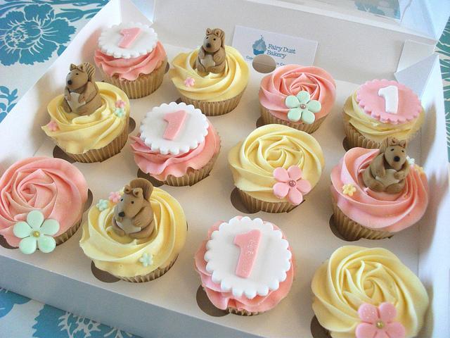 6 girls 1st birthday cupcakes photo girl first birthday cupcakes
