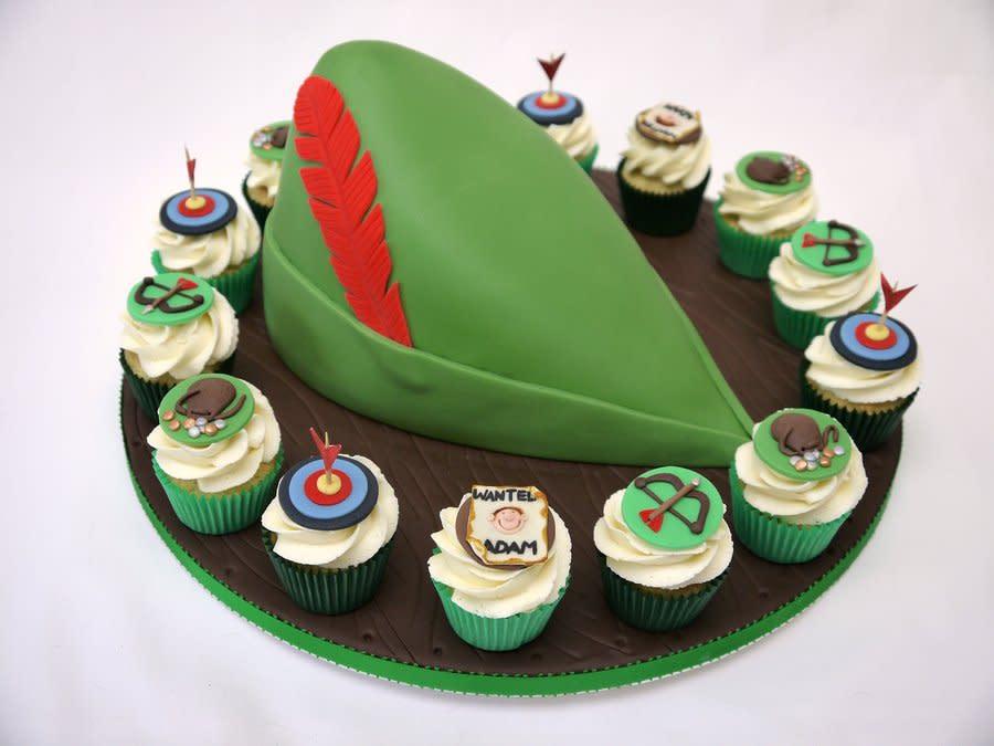 6 Robin Hood Cupcakes Photo Robin Hood Birthday Cake Robin Hood