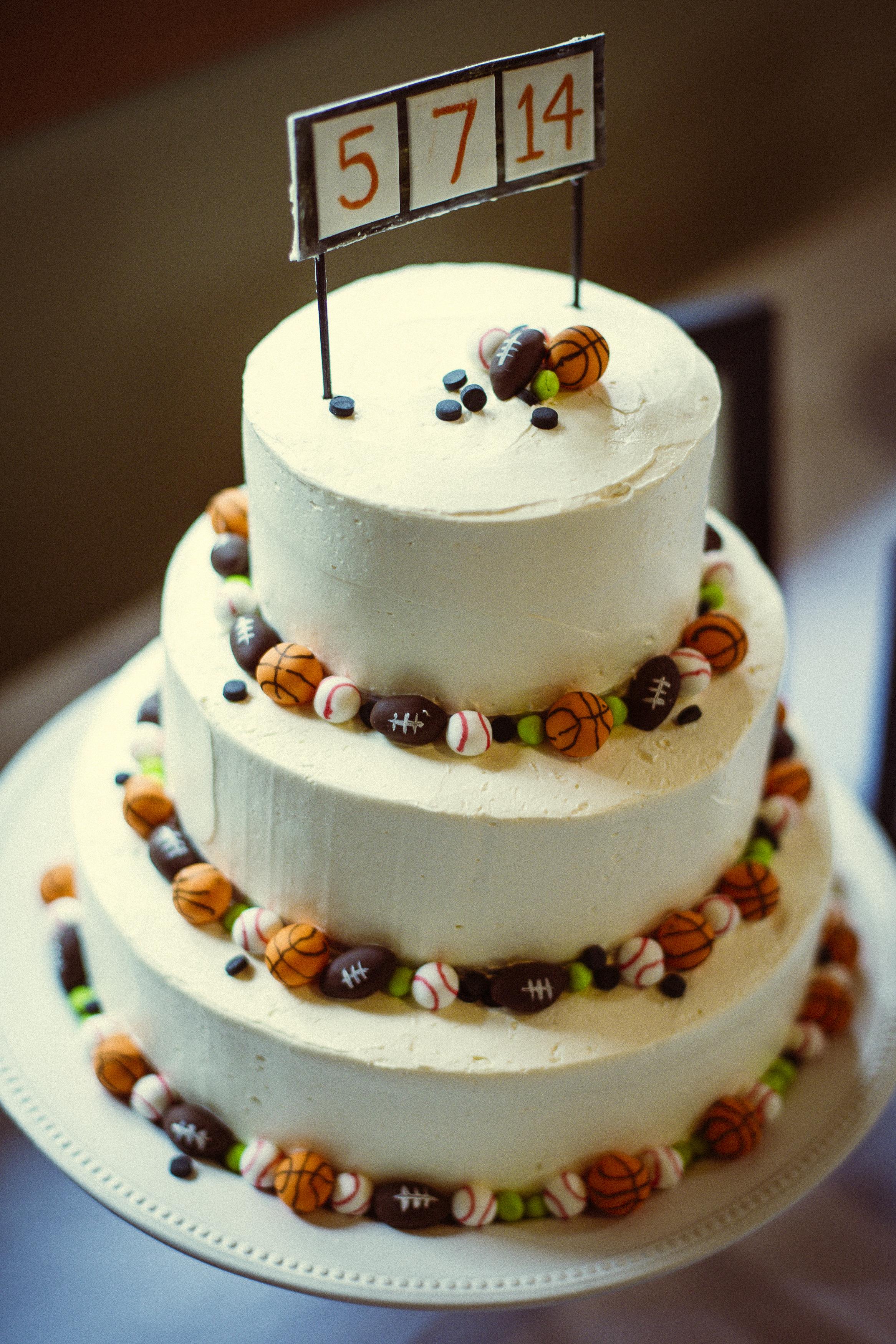 11 Sports Theme Wedding Cakes Photo Sports Theme Wedding Cake