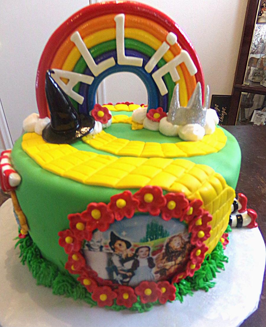 11 Professional Cakes Wizard Of Oz Photo Wizard Of Oz Cake Wizard