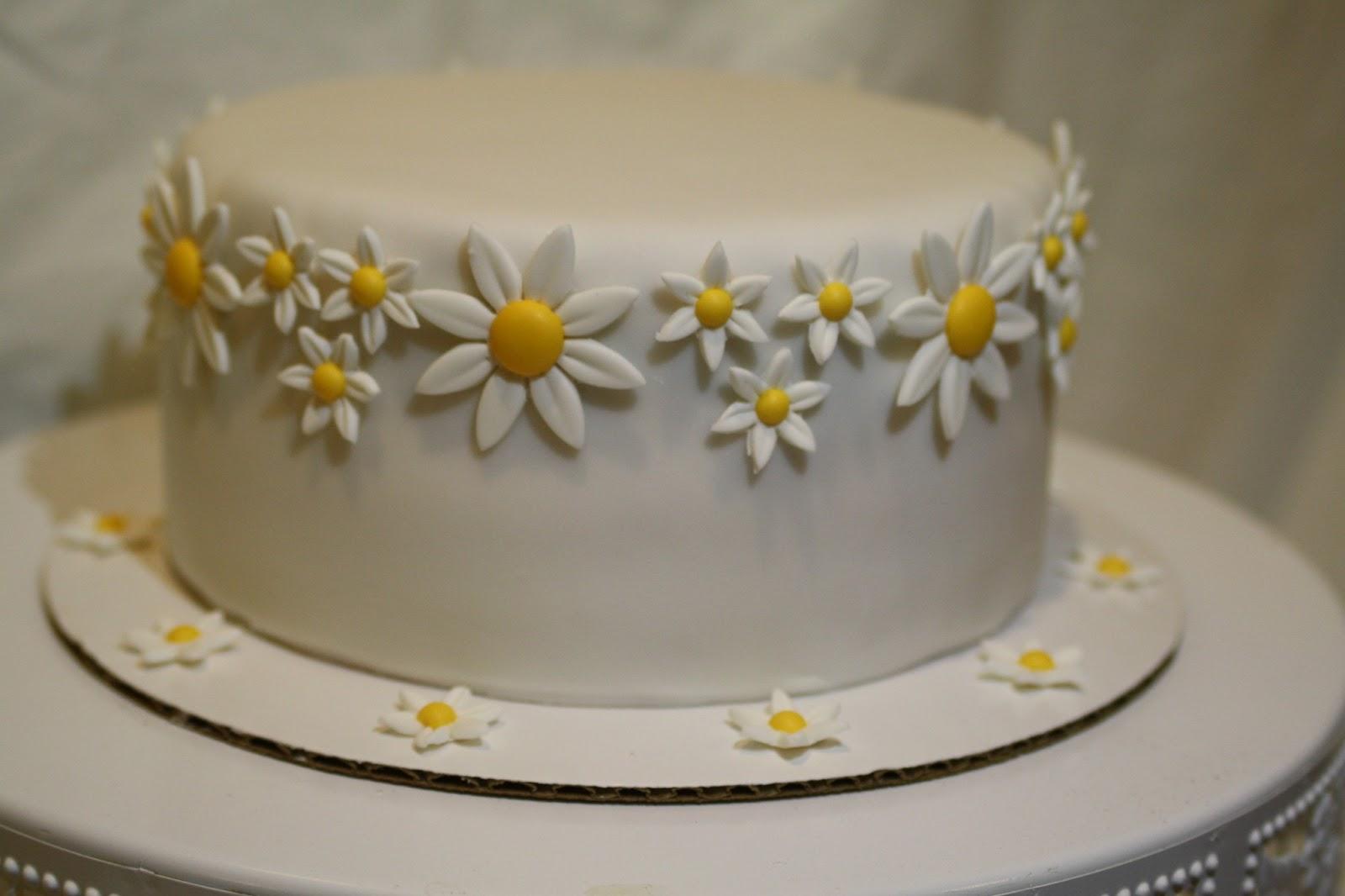 Peachy 11 Cakes With Daisy Theme Photo Birthday Cake With Daisy Theme Funny Birthday Cards Online Elaedamsfinfo