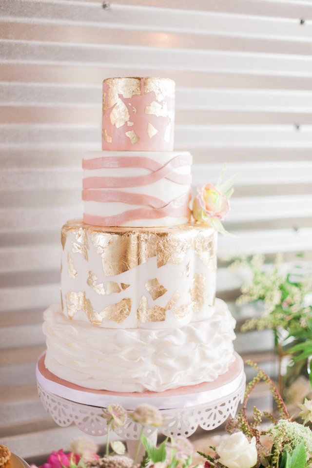 11 Gold And Blush Pink Wedding Cupcakes Photo Pink And Gold