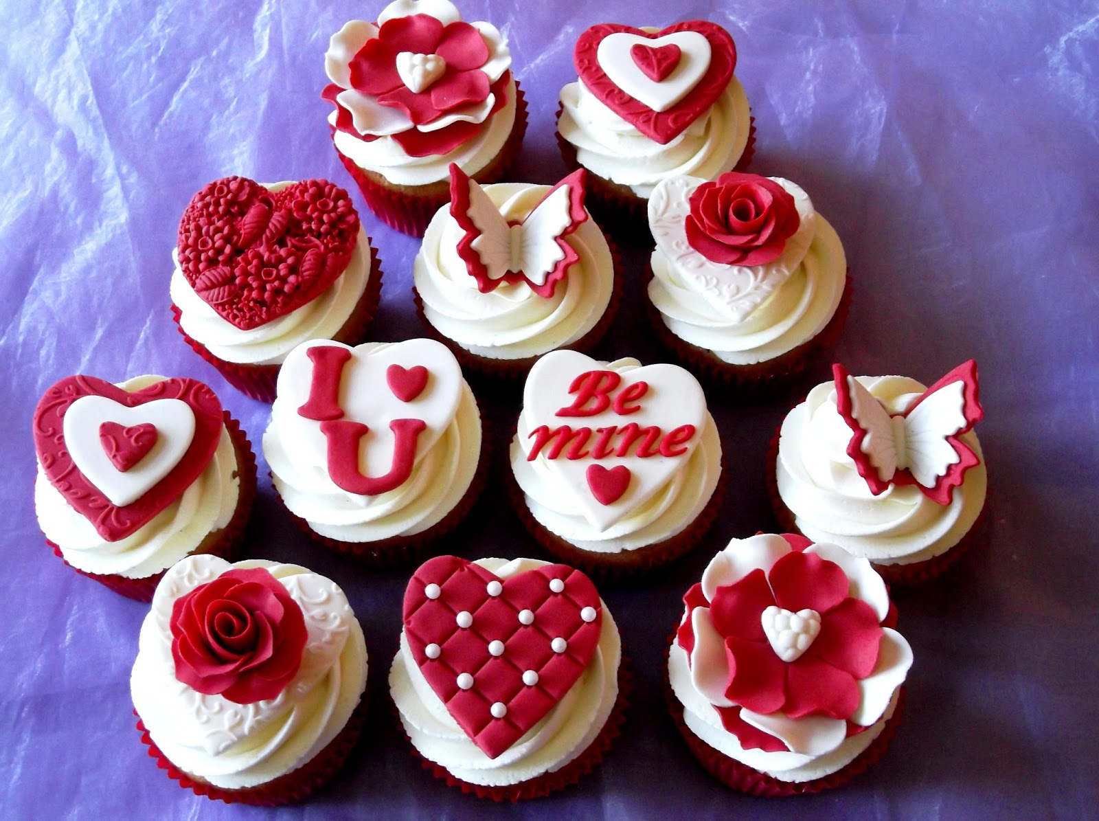 11 Valentine S Day Cupcakes On Pinterest Photo Valentine Cupcake
