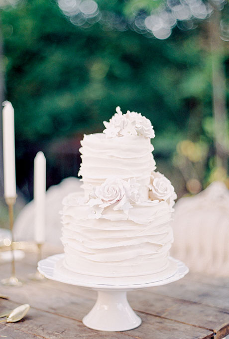7 two tier white wedding cakes photo white two tier wedding cake white two tier wedding cake junglespirit Image collections