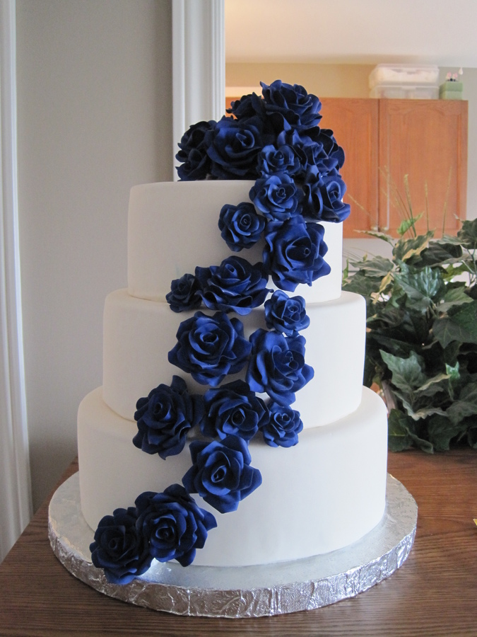 9 Navy Blue Wedding Cakes With Flowers Photo - Navy Blue and Gold ...