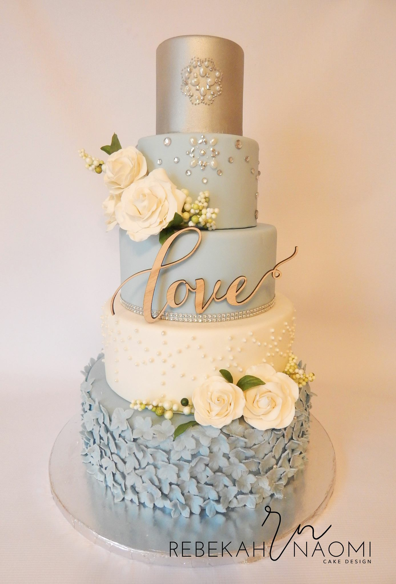 9 Ocean Blue Ivory And Silver Wedding Cakes Photo - White Wedding ...