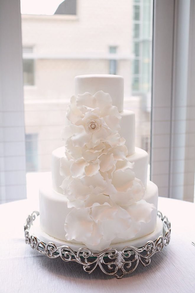 9 white and silver wedding cakes with fresh flowers photo white all white wedding cake mightylinksfo